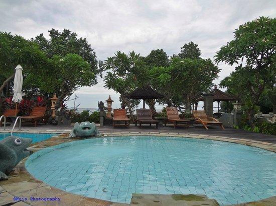 Bali Taman Beach Resort & Spa: swimming pool