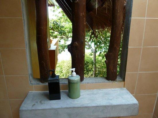 Baan Talay Koh Tao: Ausblick aus dem Bad