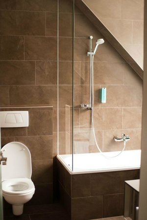 Austria Trend Hotel Beim Theresianum: туалет