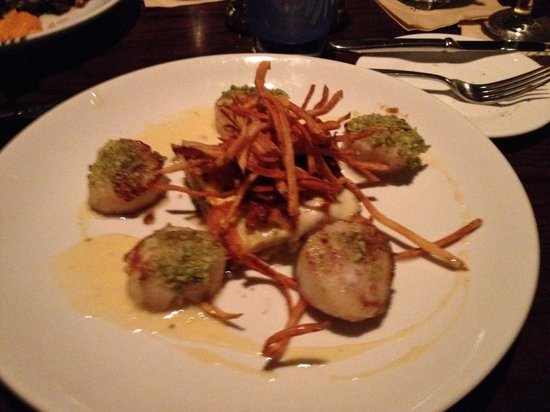 Seaglass Oceanfront Restaurant & Lounge: Scallop special entree