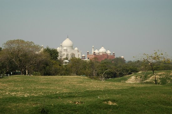 Taj Nature Walk: Вид на Тадж - махал