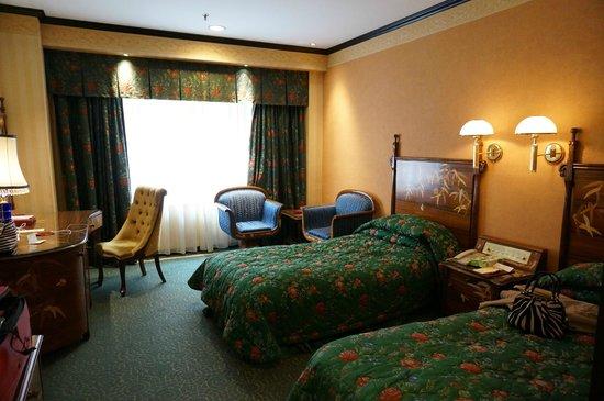 Hotel Lisboa Macau: ツインベッドルーム。十分広いです