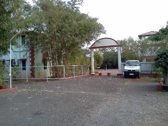 Govinda Resort: The main entrance to the resort