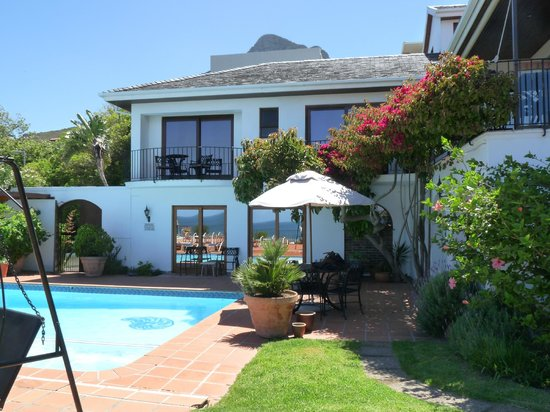 The Bay Atlantic Guest House: the pool area