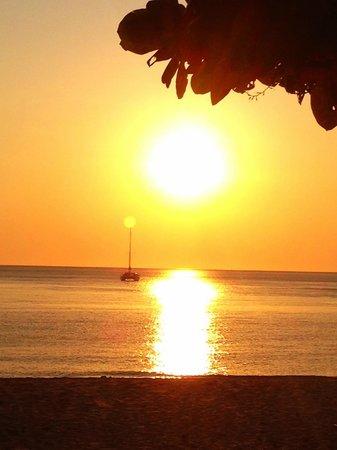Layana Resort and Spa: Beautiful sunset