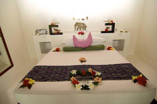 Navutu Stars Fiji Hotel & Resort: Bed