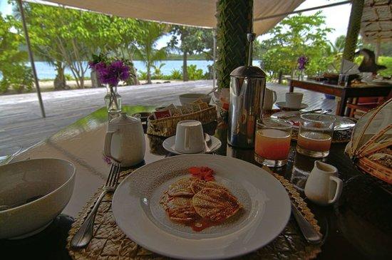 Navutu Stars Fiji Hotel & Resort: One course of a typical breakfast (mini pancakes).