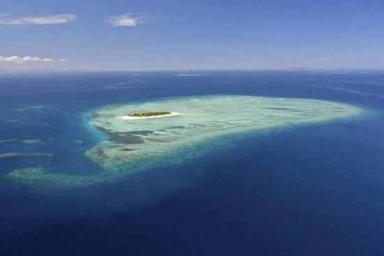 Navutu Stars Fiji Hotel & Resort : View from sea plane on way to Navutu Stars