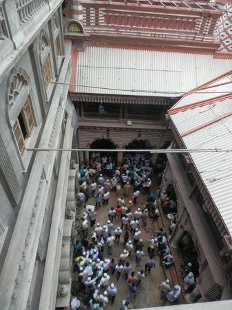Jami Ul-Alfar Mosque: After Friday prayer