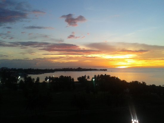 Sutera Harbour Resort (The Pacific Sutera & The Magellan Sutera): Sunset from the porch