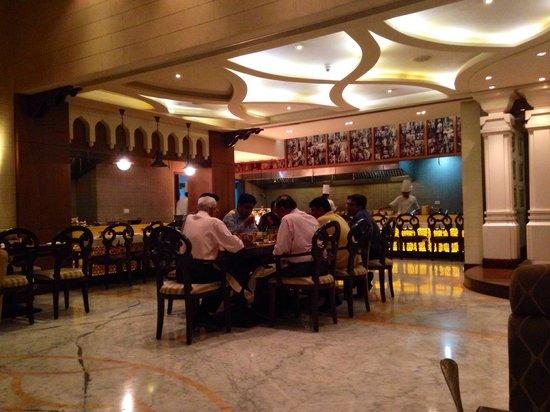 Radisson Blu Agra Taj East Gate: Dawat-e-Nawab restaurant