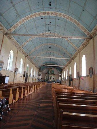 St Isidore de Labrador Church : The interior of Lazi Church