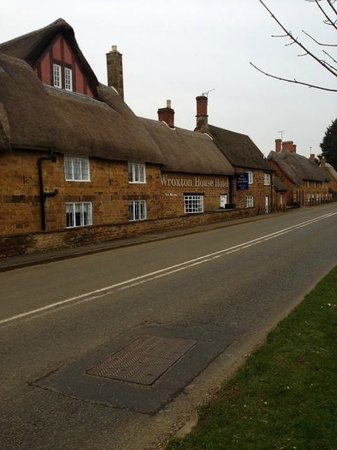 Best Western Plus Banbury Wroxton House Hotel: Front of hotel; entrance is at the back