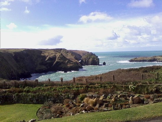 Mullion Cove Hotel: View From Porch