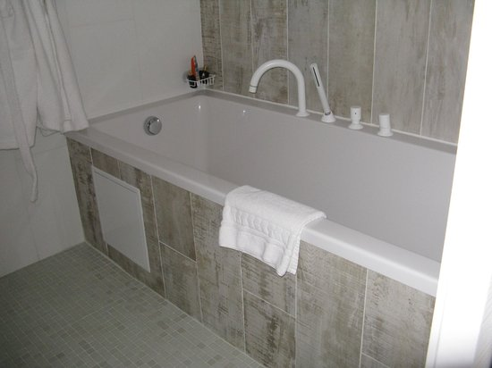 Rock Noir : salle de bain