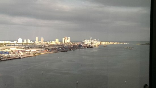 InterContinental Miami: View of Biscayne Bay from Room 2705