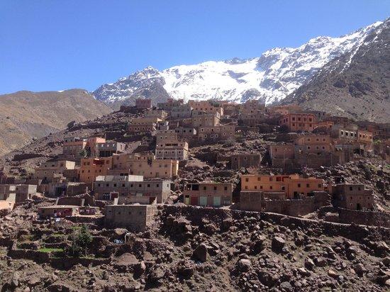 Atlas and Sahara Day Tours : Aroumd, Morocco