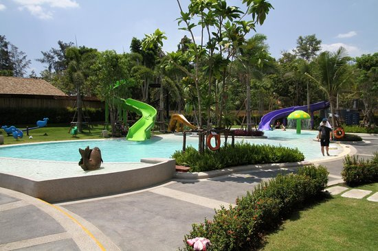 Holiday Inn Resort Krabi Ao Nang Beach: Poollandschaft
