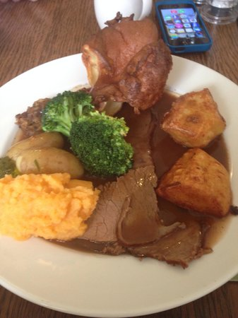 Beadnell Towers: Roast beef Sunday lunch