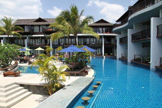Holiday Inn Resort Krabi Ao Nang Beach: Zimmer im EG direkt am Pool