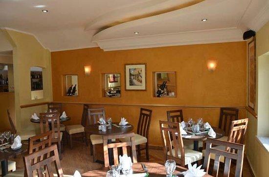 Al Fresco: Front Left side of dinning area