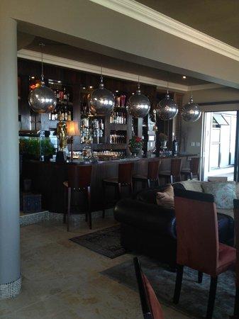 The Alexander : Salon mit Bar