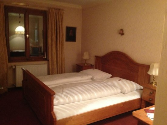 Gutwinski Hotel : the non refurbished rooms