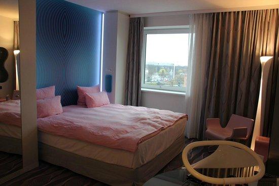 """nhow Berlin: Und das ist """"nur"""" ein Standardzimmer, aber mit Wasserblick"""