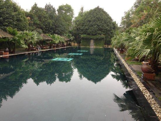Pilgrimage Village: Grande piscine