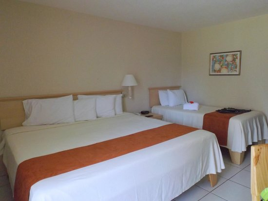 BEST WESTERN Jaco Beach All Inclusive Resort: Lit King et un lit simple très propre