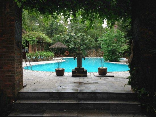 Pilgrimage Village: Petite piscine