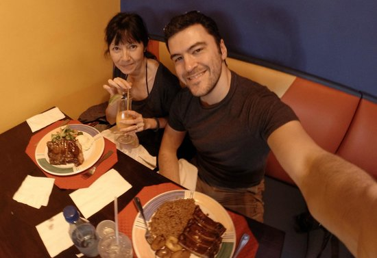 Bahama Grill : Us with ribs