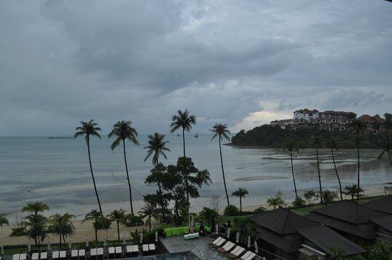 Pullman Phuket Panwa Beach Resort: вид на море из отеля
