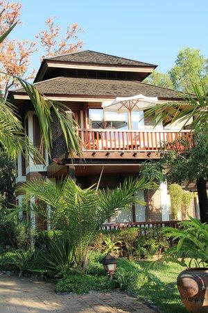 Inle Lake View Resort & Spa : Blick auf das Zimmer