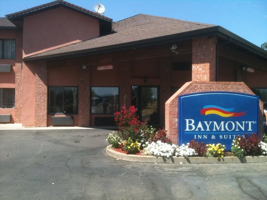 Baymont Inn & Suites Anderson : Baymont inn and suites