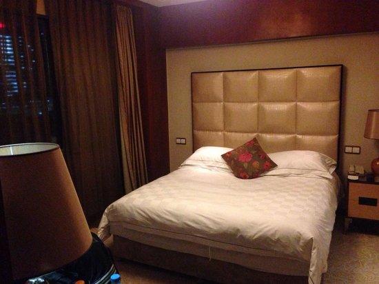S.Signature Floor Hotel : ベッド