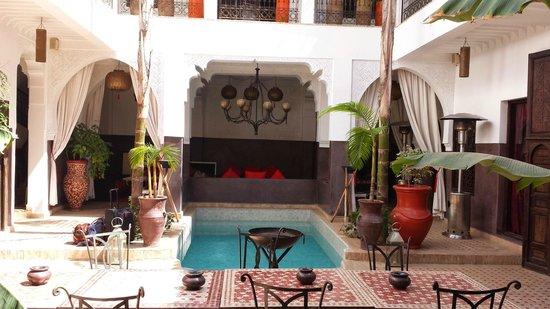 Riad Pachavana: Ground floor and pool