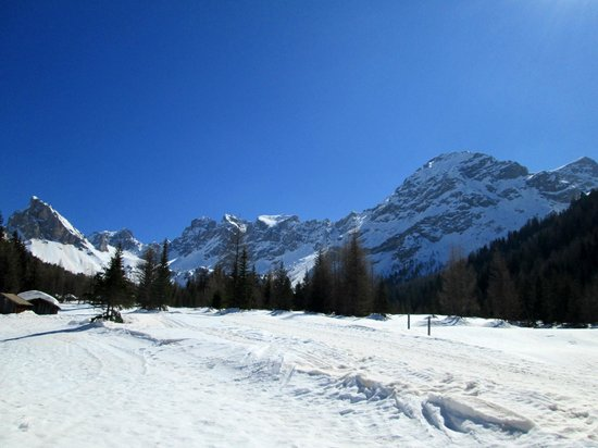 MY Kosher Hotel Canazei: Beautiful view from sledging outing