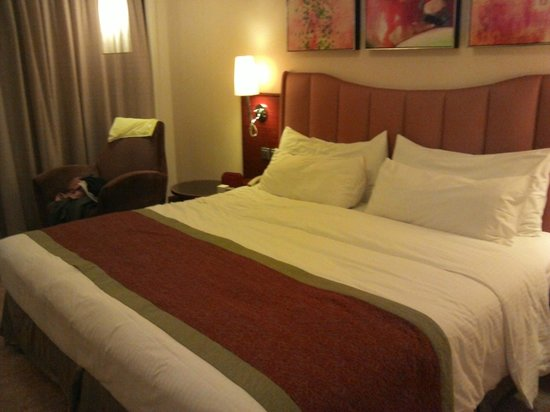 Hotel Royal Macau : King size bed