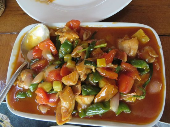 Black Bamboo : Sweet and sour chicken