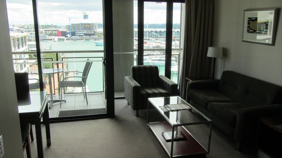 The Sebel Auckland Viaduct Harbour : Living Room