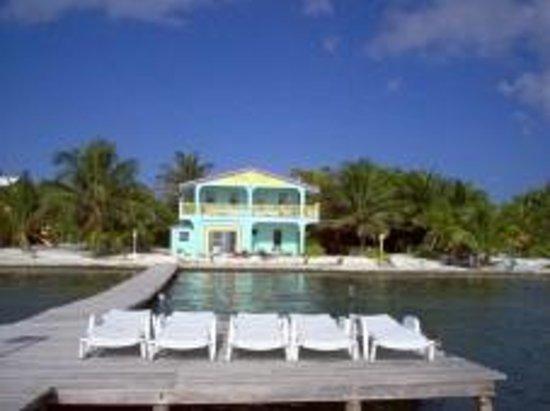 Barefoot Beach Belize : Beachfront