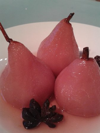 Tudor Cottage Bed & Breakfast: Delicious poached pears!