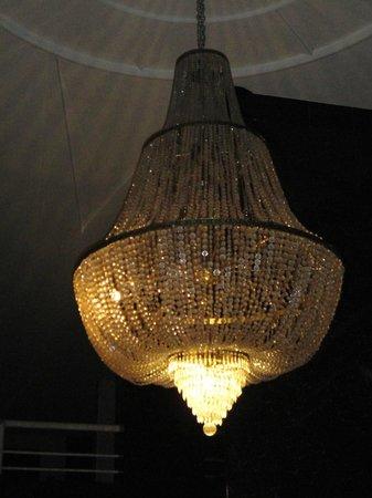 San Marco Hotel : Hermosa lámpara en la recepción