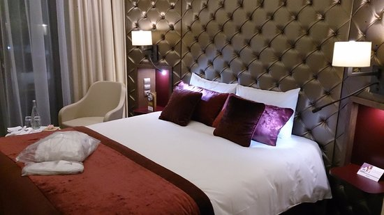 Mercure Moscow Paveletskaya : Room & Bed