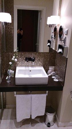 Mercure Moscow Paveletskaya : Bathroom