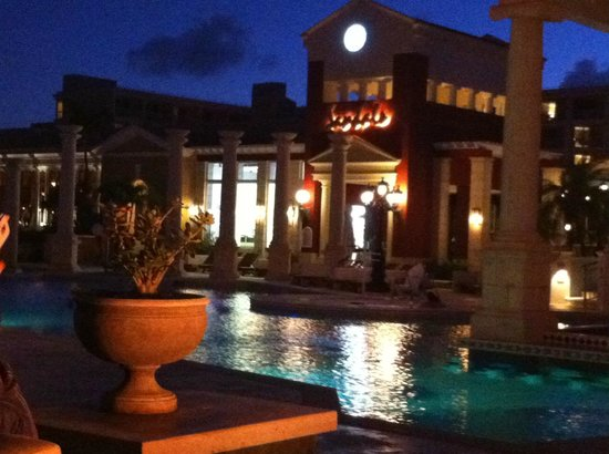 Sandals Royal Bahamian Spa Resort & Offshore Island : View at night