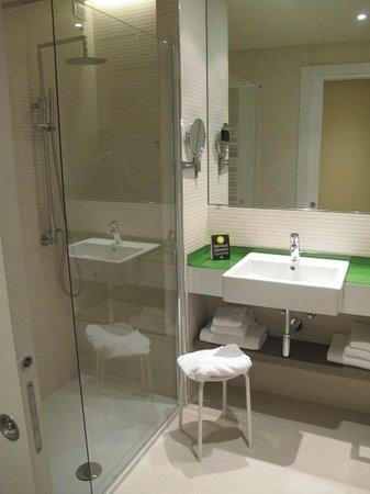 Enjoy Garda Hotel: Salle de bain