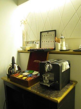 Romeo al Babuino: servizio the caffe gratuito