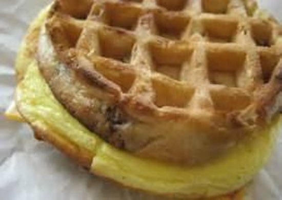 GuestHouse Inn Pigeon Forge: egg & waffle sandwich